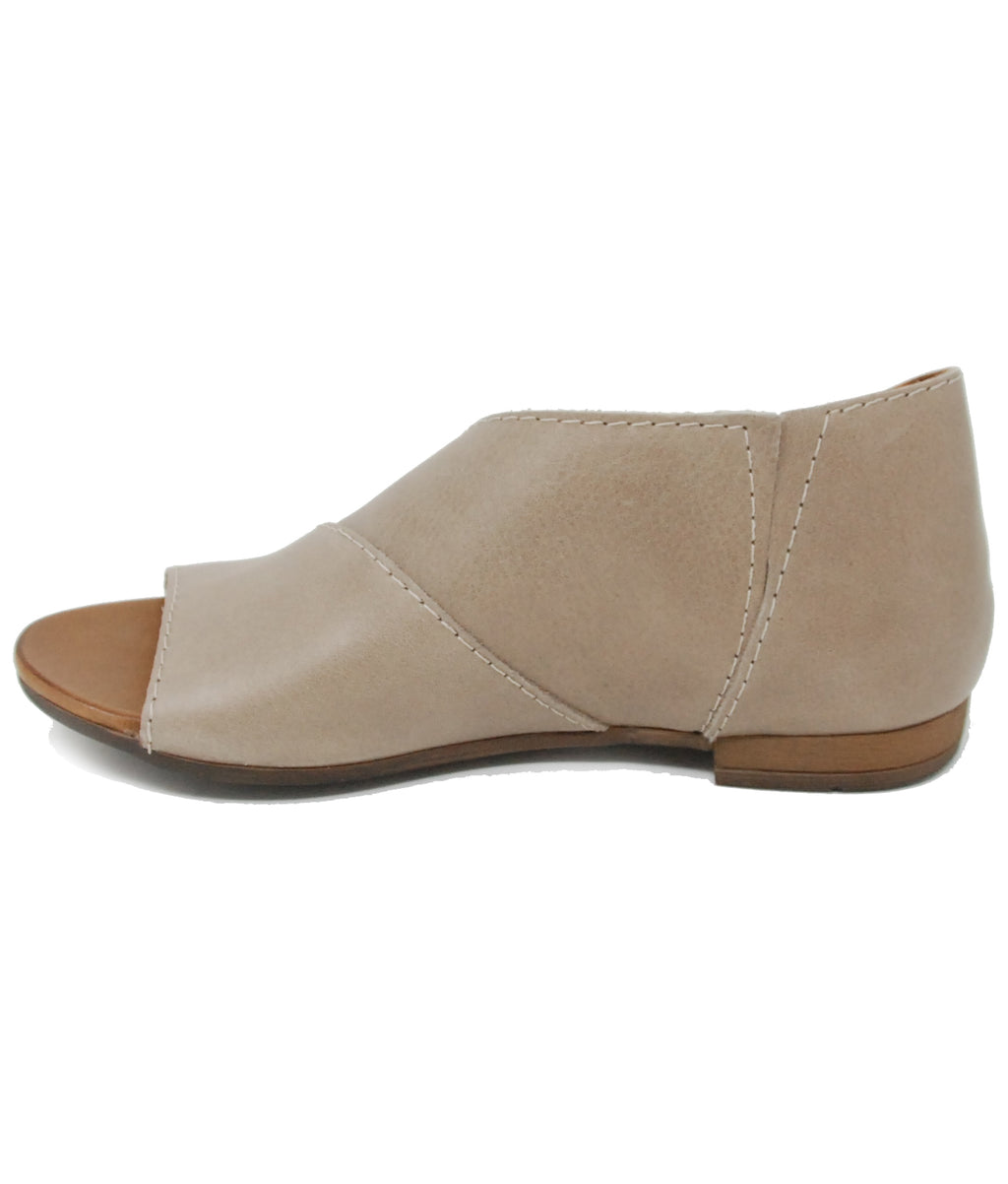 Bueno Tanner Light Grey Flat