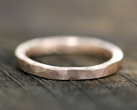 Hammered gold wedding band (S0290)