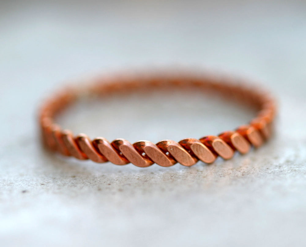 Hammered copper twisted wire ring (S0286) | monkeysalwayslookshop