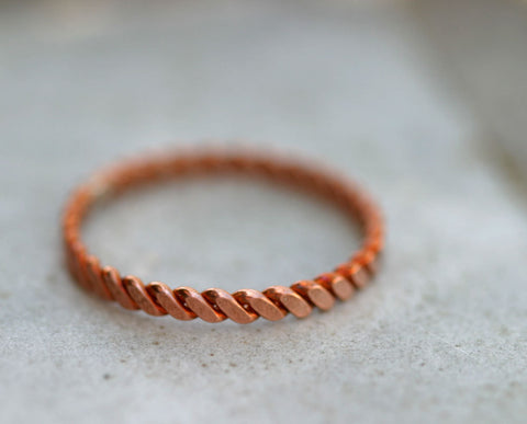 Hammered copper twisted wire ring (S0286)