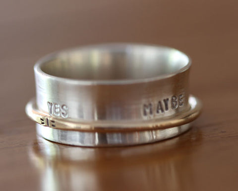 Ask Me A Question Sterling Silver Spinner Ring (S0609)