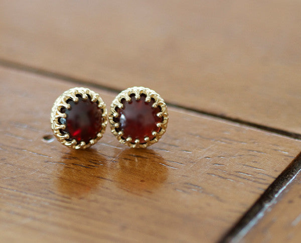 Fancy 14k yellow gold earrings with red garnet (S0411)