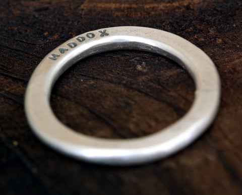 Wide Band Personalized Hammered Band Ring (S0274)