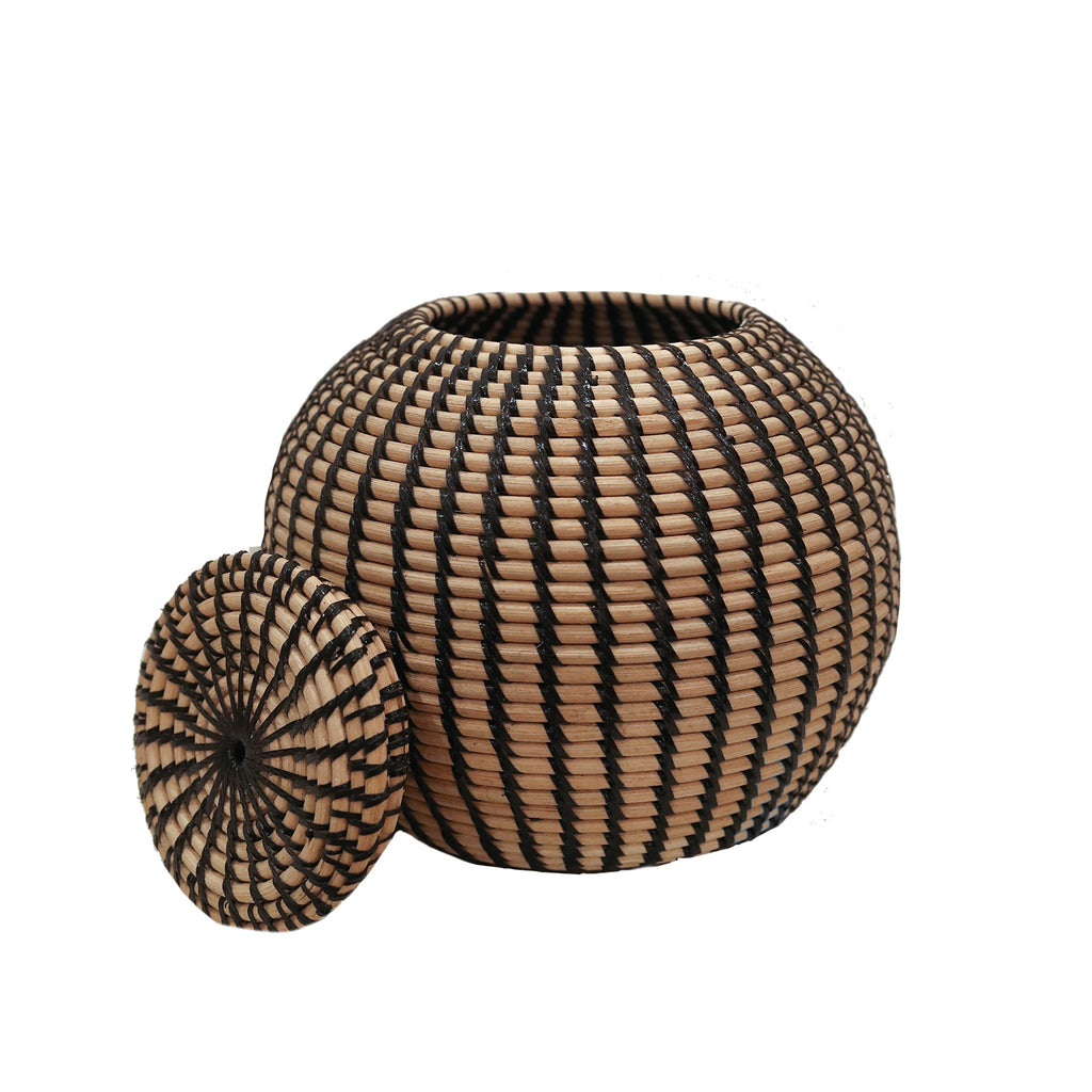 Woven Rattan Round  Basket with lid