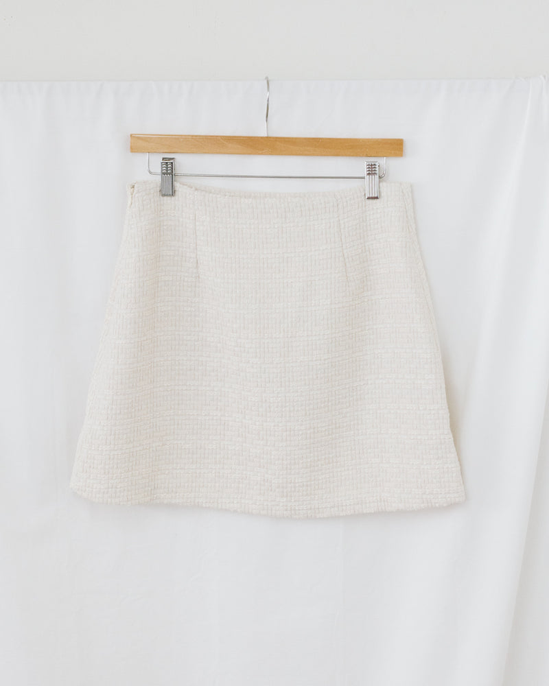 white tweed a line mini skirt with invisible zipper