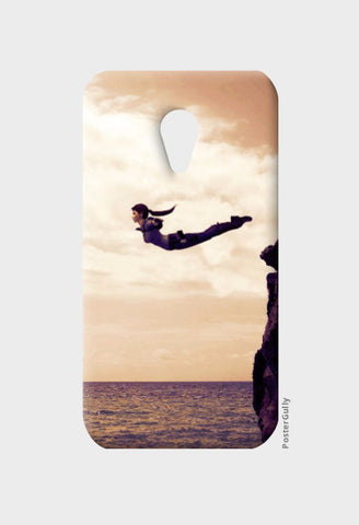 Moto G2 Cases, Swan DIve Moto G2 Case | Artist: Rohit Sharma, - PosterGully