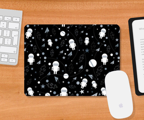 Astronaut black and white pattern Mousepad | Artist : Designerchennai