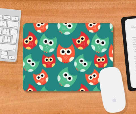 Owl illustrations pattern on green background Mousepad | Artist : Designerchennai