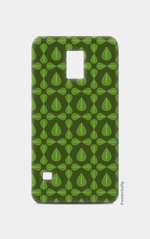 Seamless pattern with leaves on green background Samsung S5 Cases | Artist : Designerchennai