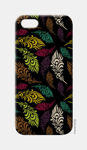 Seamless hand drawn vector leaves  iPhone 5 Cases | Artist : Designerchennai