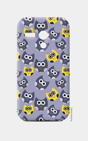 Owl illustrations pattern on gray background Moto G Cases | Artist : Designerchennai