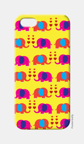 iPhone 5 Cases, Elephant Love iPhone 5 Case | Artist: Pratyusha Subramaniam, - PosterGully