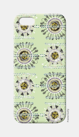 Flowers iPhone 5 Cases | Artist : xLuminosityx