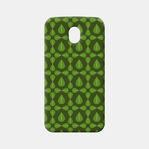Seamless pattern with leaves on green background Moto G3 Cases | Artist : Designerchennai