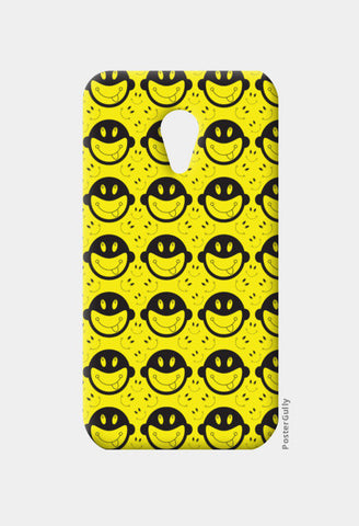 Monkey tongue out on black and yellow Moto G2 Cases | Artist : Designerchennai