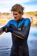 Load image into Gallery viewer, Blueseventy Helix Triathlon Wetsuit Mens 2021 - Tri Wetsuit Hire