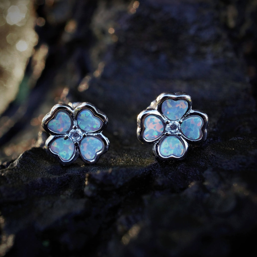 CLOVER Recycled Silver White Opal Earstuds