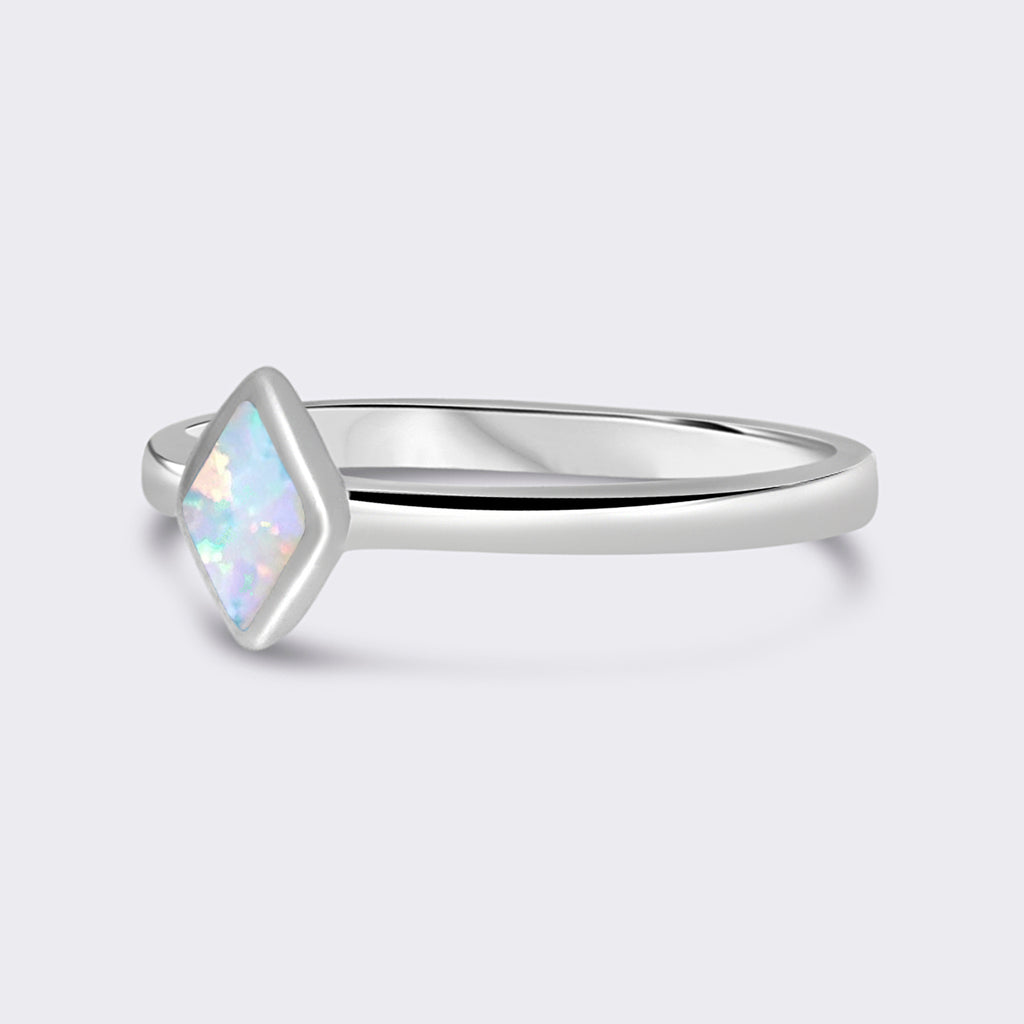 HERA sterling silver opal ring