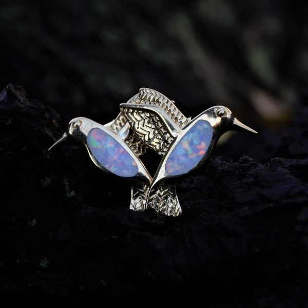 HUMMINGBIRDS Gold White Opal Earstuds