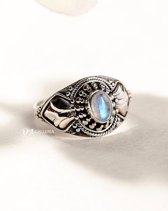 Rainbow Moonstone Ring (JR00016)