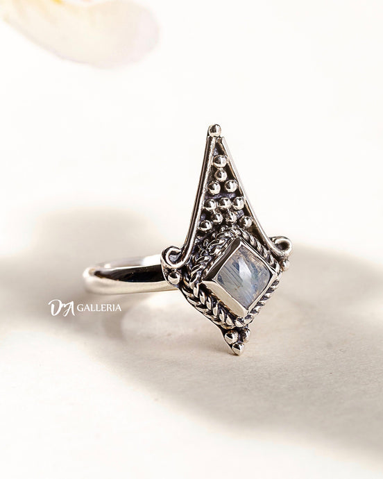 Rainbow Moonstone Ring (JR00017)