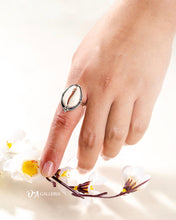 Load image into Gallery viewer, Cowrie Shell Ring (JR00030)