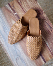 Load image into Gallery viewer, Handwoven Leather Loafer (S00001)