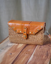 Load image into Gallery viewer, Rectangle Handwoven Rattan Bag with Leather (HR00021)