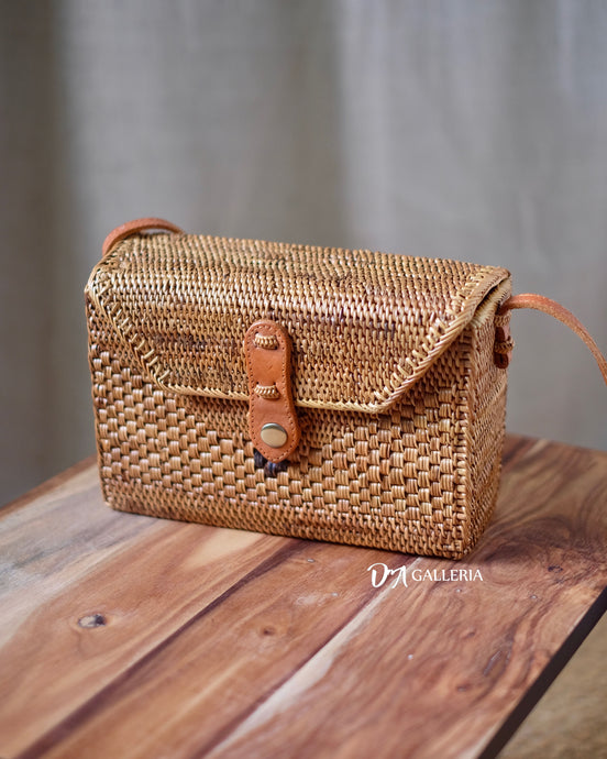 Rectangle Handwoven Rattan Bag Bali (HR00016)
