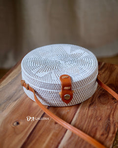 White Flower Handwoven Round Rattan Bag Bali (HR00006)