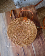 Load image into Gallery viewer, Rattan Bag with Leather Handle (HR00029)
