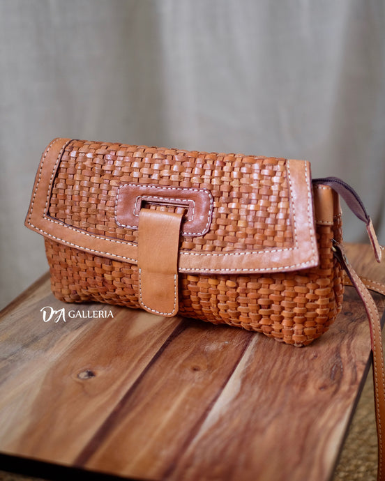 Authentic Leather Crossbody Bag (HL00008)
