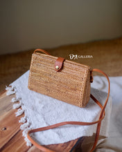 Load image into Gallery viewer, Rattan Purse Bag Bali (HR00040)