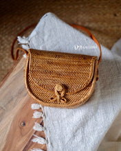 Load image into Gallery viewer, Rattan Satchel Bag Bali (HR00037)
