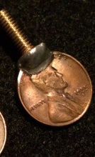 "Load image into Gallery viewer, Wheat penny Vice Screw Brass Screw 5/8"" Screw 8/32"