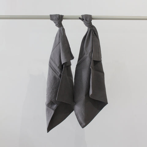 Cultiver Linen Pillowcase Set in Charcoal