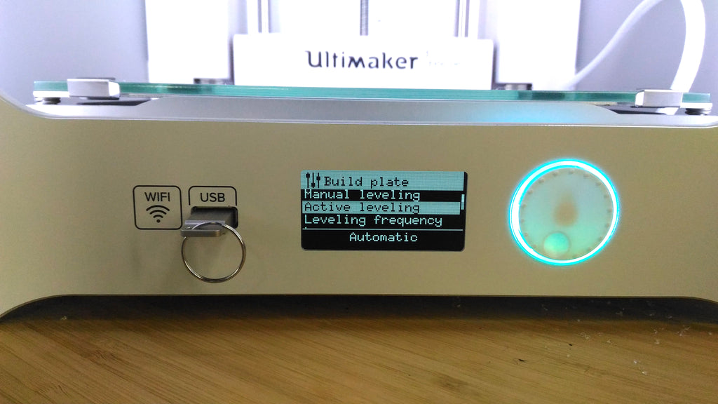 Ultimaker 3 extended 3D printer at Voxel Factory Active levelling USB port