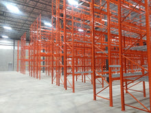 "Load image into Gallery viewer, Montant HR boulonné assemblé 42"" x 216"" couleur orange - HD Pallet racking bolted frame 42"" x 216"""