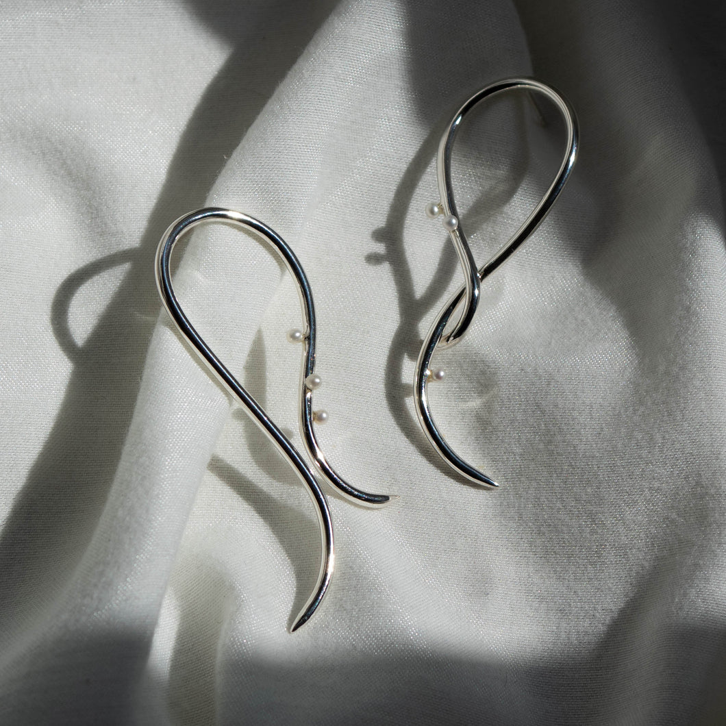 Spirosoma Pearl Earrings