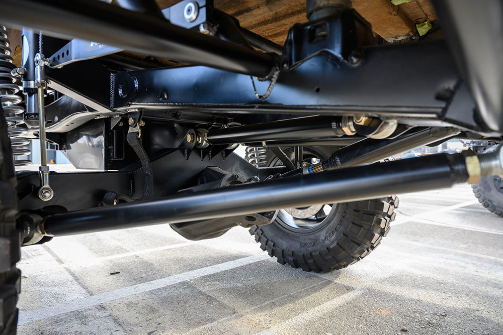Rear triangulated 4 link offroad bronco
