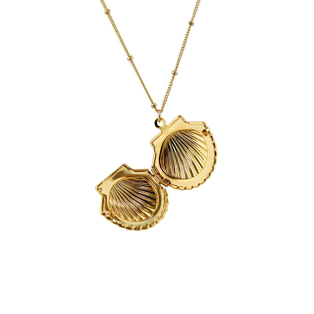 Thesis of Alexandria: Clam Shell Locket Pendant Necklace