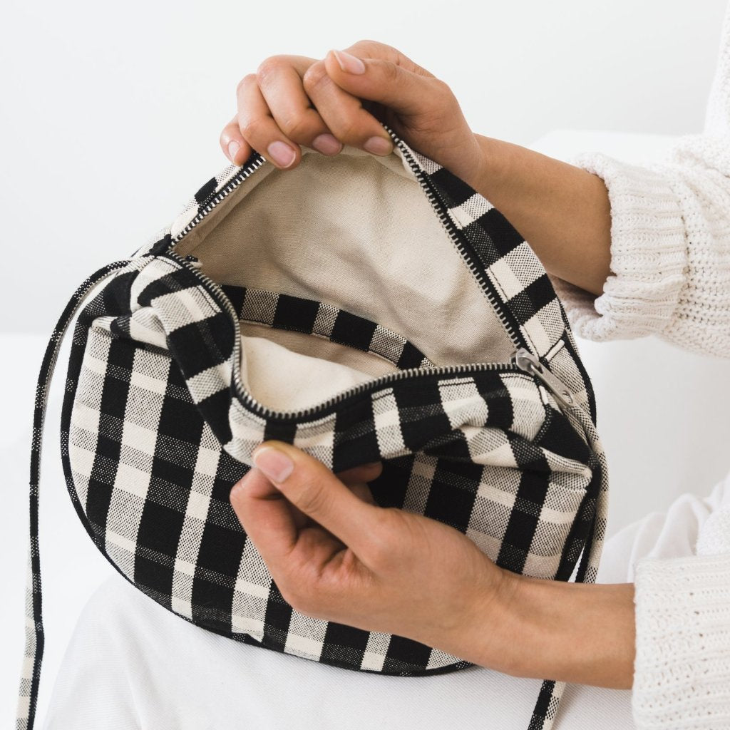 Baggu: Medium Canvas Circle Purse - Plaid