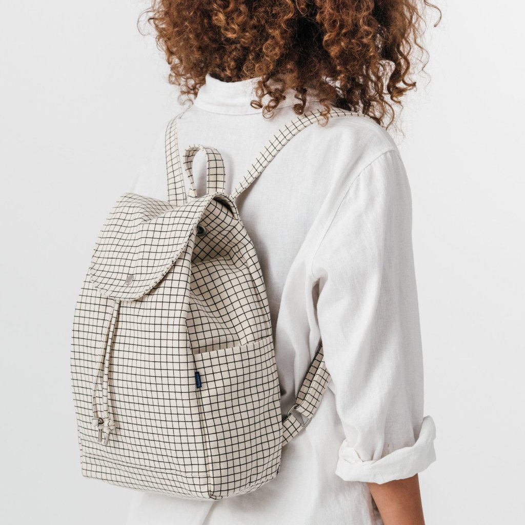 Baggu: Canvas Drawstring Backpack - Natural Grid