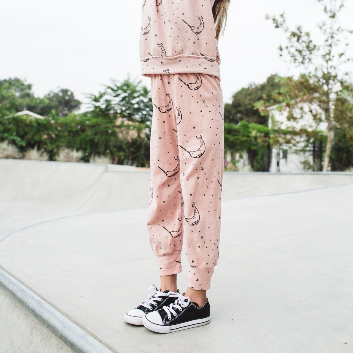 Narwhal Print Bubble Leggings, Blush