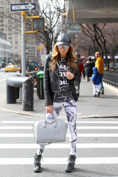 Terez street style in Marble Performance Leggings