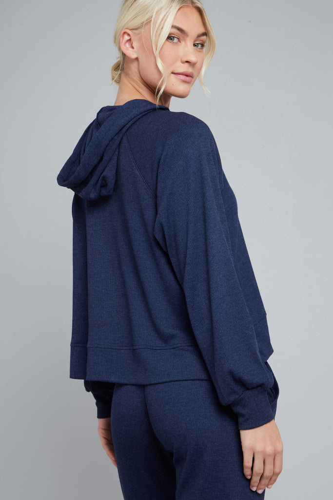 Loose fit, waffle knit hoodie in navy