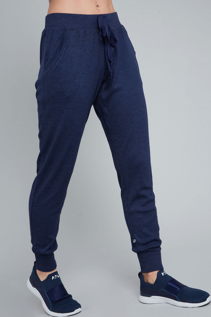 Full length, waffle knit jogger in navy