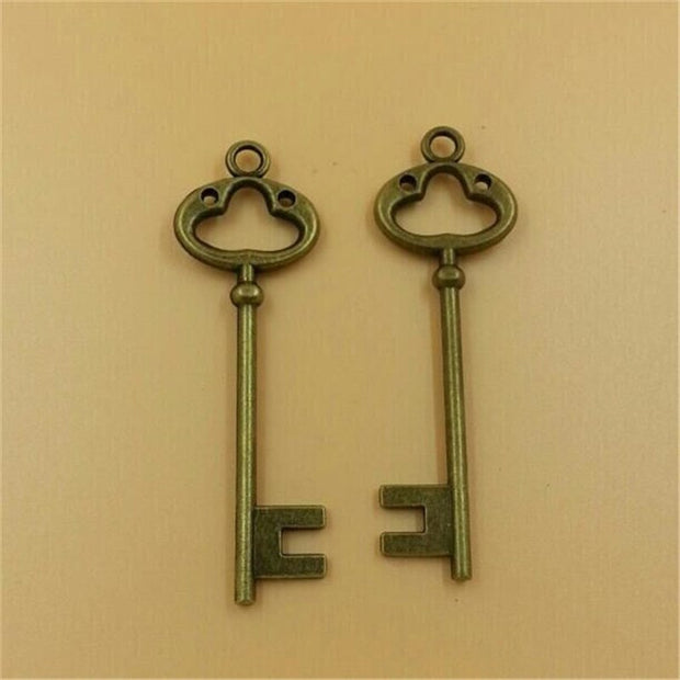 10pcs Size 80x31mm Key Pendant Smile Key Charms Antique Alloy Jewelry Finding Key Accessories T580