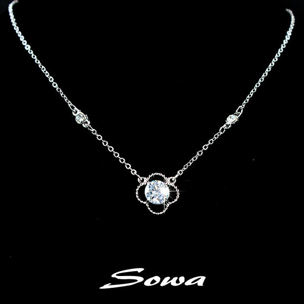 2014 High Quality Classic Clover Shape White Round 8mm Cubic Zirconia Stone Pendant Necklace,chain Necklace