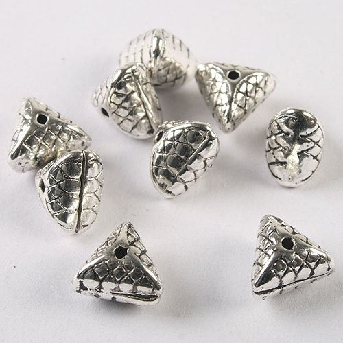 20pcs Tibetan Silver Triangle Shaped Spacer Beads H1494